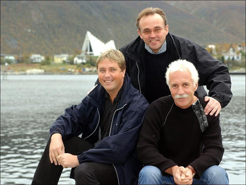 GODE VENNER: Tore Strømøy og Rolf-Are Pettersen ble kjent med hverandre gjennom «verdens nordligste dansegalla». Her sammen med Ole Jørgen Grønlund. Foto: Terje Mortsensen