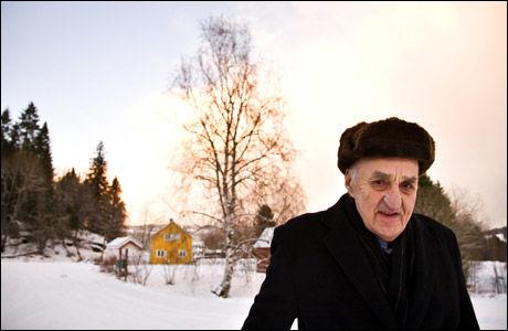 HJEMME: Her er «Snåsamannen» Joralf Gjerstad (82) fotografert hjemme på Snåsa. Foto: THOR NIELSEN