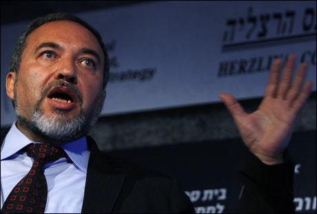 JOKER: Avigdor Lieberman leder det ultranasjonalistiske partiet Yisrael Beiteinu. Foto: Reuters/Scanpix