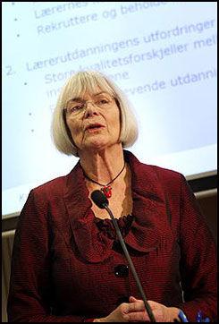 DELTE UT PRISEN: Statsråd Tora Aasland. Foto: Scanpix Foto:
