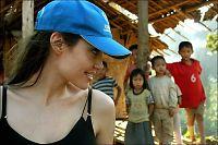 Angelina trygler for flyktningbarna