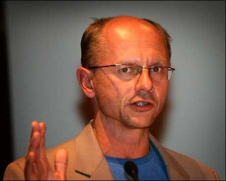 SPØKEFUGL: Professor Runar Døving Foto: Scanpix
