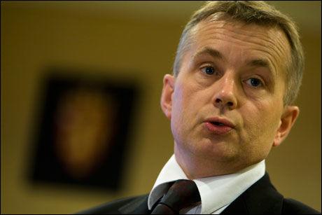 SNUDDE: Lars Sponheim kaller justisminister Knut Storberget (bildet) en «hopp og sprett»-minister. Foto: SCANPIX