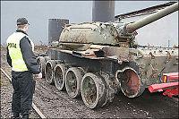 Biltyver stjal fire stridsvogner