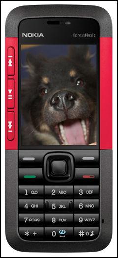 Du kan enkelt bruke dine egne bilder som bakgrunn på mobilen, eller du kan finne bilder på nettet. Foto: Nokia/Marius Valle