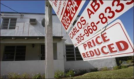 TIL SALGS: Et hus i Miami, Florida til salgs til redusert pris i januar i år. Foto: AFP