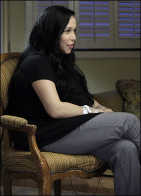 INTERVJU: Åttlingmoren Nadya Suleman stilte 5. februar til et eksklusivt intervju med journalisten Ann Curry i NBC i New York. Foto: AP