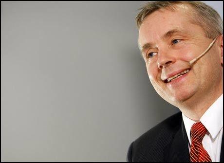 ANSVARLIG: Justisminister Knut Storberget har blitt sykemeldt på grunn av hijab-bråket. Foto: Scanpix