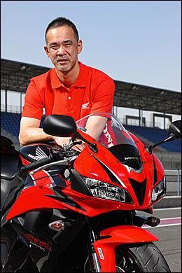 MC-INGENIØR: Honda-ingeniør Tetsuya Kudoh. Foto: Bike