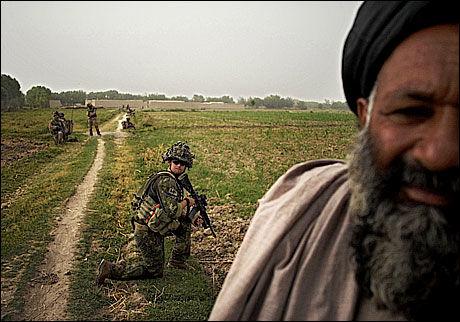 POSITIVE: DE fleste afghanerne ser positivt på det internasjonale nærvær. Foto: Harald Henden