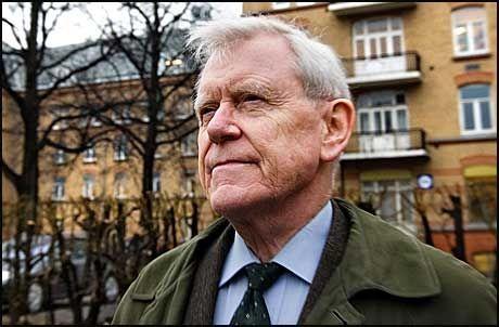 HØYRE-VETERAN: Inge Lønning har is i magen og tror hijab-debatten går over snart. Foto: Jan Petter Lynau/VG