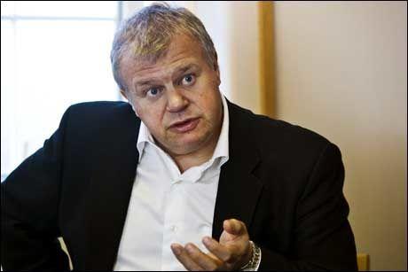 GRANSKING: Helseminister Bjarne Håkon Hanssen ber Helsetilsynet granske oppfølgingen av den drapssiktede 38-åringen. Foto: Frode Hansen
