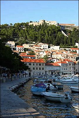 KROATIA: Fra Split kan du ta båt ut til mange av de flotte øyene i den Kroatiske skjærgården. Foto: Mona Langset