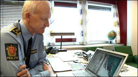 - UAKSEPTABELT: - Slik skal det ikke være i byen vår, sa Kåre Stølen, stasjonssjef ved Grønland politkammer da han så VGTVs avslørende bilder fra narkosalget tidligere i vinter. Foto: Ola Haram