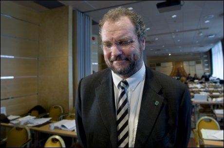 VELGERFLUKT: Hadde det vært valg i dag, hadde Venstre mistet plassen på Stortinget. Her er partileder Lars Sponheim under partiets landsstyremøte tidligere i måneden. Foto: Scanpix