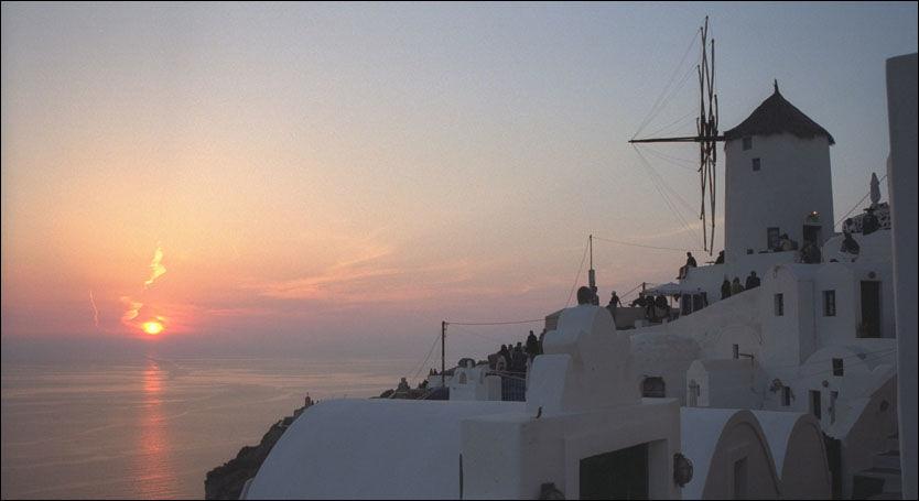 På de mer enn 3000 greske øyene kan voksne par, partyungdommer, kjendisjegere, småbarnsfamilier, romantikere og naturister finne sitt paradis. Foto: Jan Bergtun