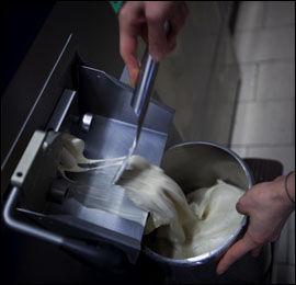 DAGSFERSK: Iskremen hos Vestri lages fra bunnen av hver morgen.