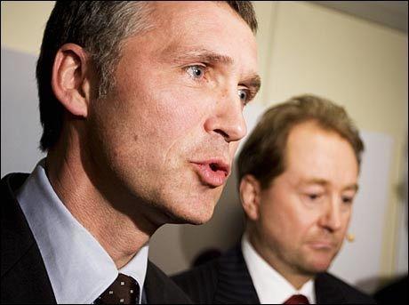 FIKK UNNSKYLDNING: Kjell Inge Røkke har gitt en unnskyldning til statsminister Jens Stoltenberg etter at regjeringssjefen er blitt utsatt for kritikk etter transaksjoner av selskap til Aker Solutions. Foto: SCANPIX