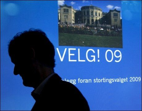 VALGÅR: Kringkastingssjef Hans-Tore Bjerkaas under Kringkastingsrådets behandling av NRKs opplegg for dekning av stortingsvalget 2009 i fjernsyn, radio og på nett torsdag. Foto: Scanpix