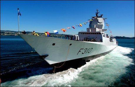 TIL SOMALIA: I august slutter den norske fregatten KNM Fridtjof Nansen seg til den allierte marineoperasjonen langs kysten av Somalia. Foto: Line Møller, VG