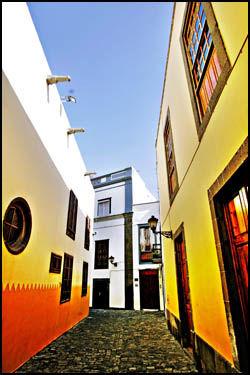 ERVERDIG: Gamlebyen i Las Palmas på Gran Canaria anbefales av mange å besøke. Foto: Jørgen Braastad.