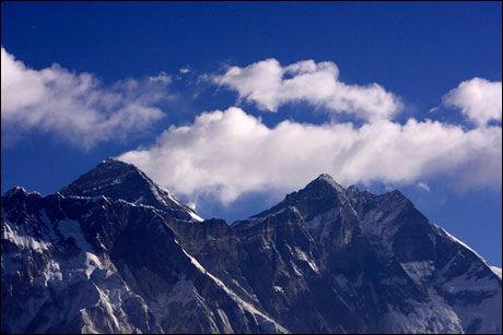 HØYEST I VERDEN: Med sine 8848 meter er Mount Everest det høyeste fjellet i verden. Foto: REUTERS