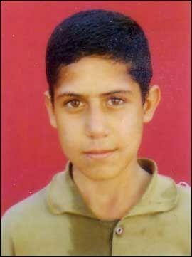 HENRETTES: Mohammad Reza Haddadi var bare 15 år da han ble dømt for et drap han hevder han ikke har gjort. Foto: Iran Human Rights