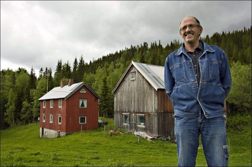HADDE RETT TIL Å RØMME: Oddbjørn Kvam var hjemme på Levanger i Nord-Trøndelag i går. Han har krav på 4,6 millioner i erstatning selv om han flyktet fra en lang fengselsstraff? Foto: GEIR OTTO JOHANSEN