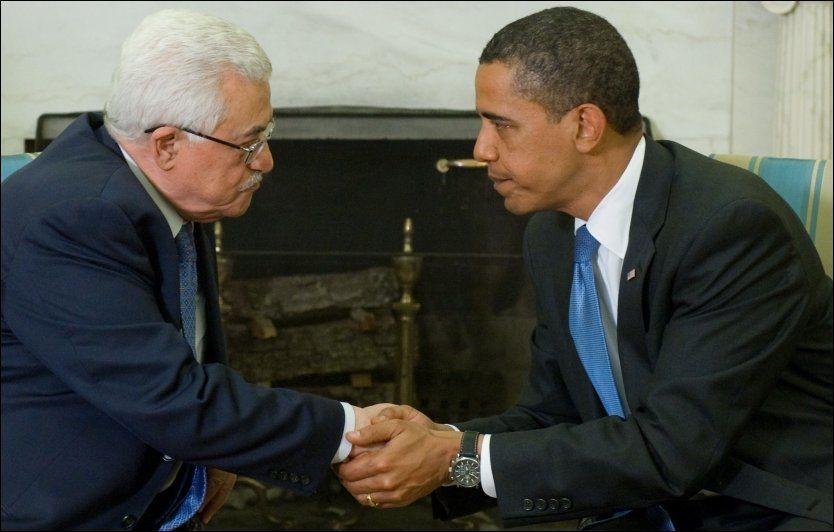 ENIGE: Palestinernes president Mahmoud Abbas støtter fullt og helt opp om Barack Obama og USAs veikart for fred i Israel. Foto: AFP