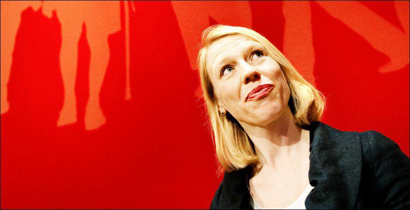 TILBAKEVISER KRITIKK: Barne- og likestillingsminister Anniken Huitfeldt mener at regjeringen kommer med konkrete tiltak som fremmer likestilling. Foto: Kristian Helgesen