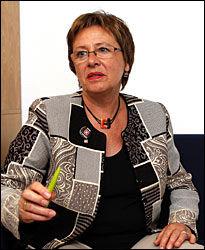 I MÅL: Forhandlingsleder for Unio Kommune, Helga Hjetland, er glad for å endelig ha kommet til enighet om pensjonsordningen. Foto: Trond Solberg