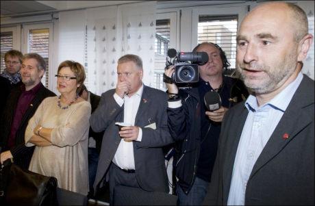 MÅTTE GI ETTER: Arbeidsminister Dag Terje Andersen (t.h.). Foto: Heiko Junge / SCANPIX