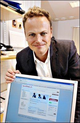 PÅ NETT: Direktør Tore Tennøe i Teknologirådet lager modell for et nytt elektronisk helsevesen i Norge. Foto: Magnar Kirknes/VG