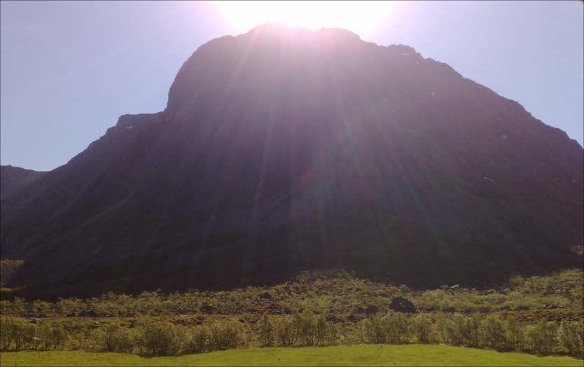 DØDE: Det var på dette fjellet at de to brødrene omkom. Foto: Ronald Johansen, Bladet Tromsø