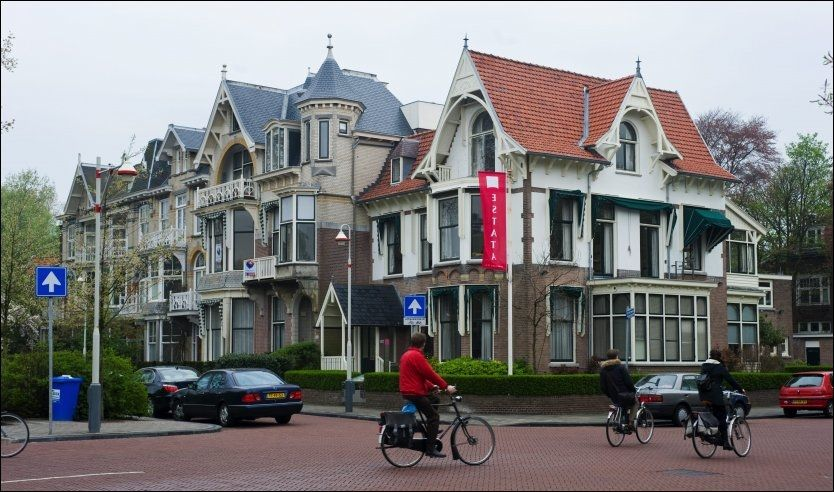 GRATIS BOLIG: Over hele verden finnes det mennesker som gladelig låner ut både sofa og hus til ferierende familier eller alenereisende. Kanskje finner du feriehuset ditt i Haag? Foto: Thomas Grabka