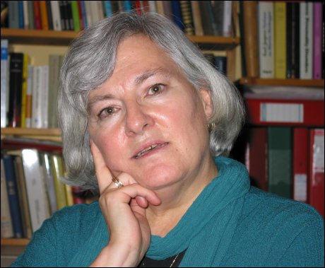 STEVNER: Professor Nina Karin Monsen og flere andre motstandere av ekteskapsloven har stevnet staten. Foto: Aftenposten