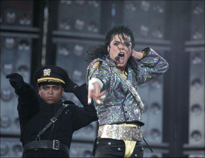 FØRSTE GANG I OSLO: Michael Jackson på scenen på Valle Hovin i 1992. Foto: Scanpix