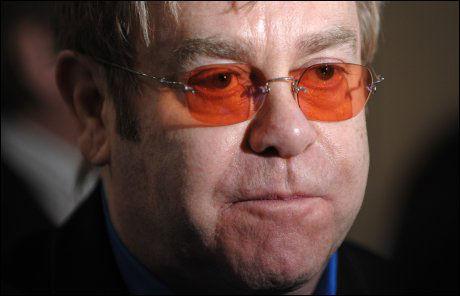 DEDIKERTE SANG: Elton John. Foto: AP