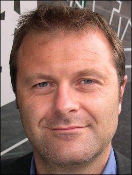 INGEN ENDRING: Informasjonssjef Atle Lessum i Telenor sier de ikke endrer på holdningen til Pirate Bay som følge av den svenske dommen. Foto: Telenor