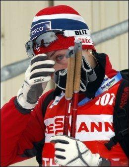 ULYKKESFUGL: Astrid Uhrenholdt Jacobsen var forfulgt av uhell i vintersesongen, og var endelig på vei tilbake i form nå under OL-oppkjøringa. Det satt en sykkelvelt en effektiv stopper for i helgen. Foto: Scanpix