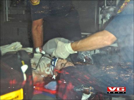 DET SISTE BILDET: Her forsøke ambulansepersonellet desperat å vekke Michael Jackson tilbake til livet. Foto: National Photo Group/ All Over Press Foto: