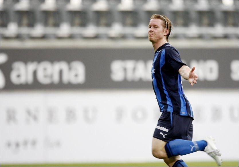 TROR PÅ HOFF: Endelig løsnet det for Stabæks Fredrik Berglund. Nå tror han lagkameraten Espen Hoff kan blomstre. Foto: Scanpix