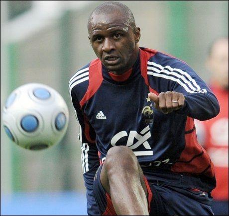 VIEIRA: Midtbanespilleren kan være på vei tilbake til engelsk fotball. Foto: AFP
