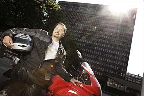 STILLER KRAV: Nestleder Per Arne Olsen i Frp vil ha alle sosialklienter til frokost hver dag. Foto: Marte Vike Arnesen