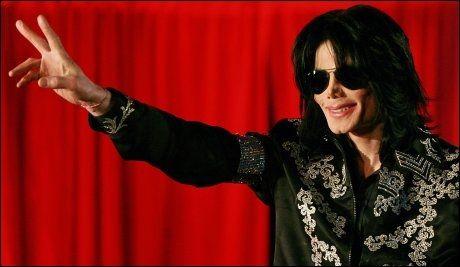 SKAL OMSIDER BEGRAVES: Michael Jackson - her i forbindelse med kunngjøringen av avskjedskonsertene som skulle startet i London i juli. Foto: AFP