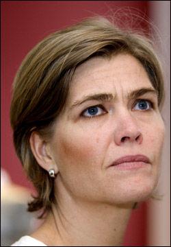 - OVER GRENSEN: Seniorrådgiver Guro Slettemark i Datatilsynet mener staten driver med dyneløfting. Foto: Scanpix