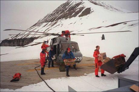 VÆRSTASJON PÅ ISHAVSØY: Hopen værstasjon er den østligste i Arktis. Foto: Scanpix