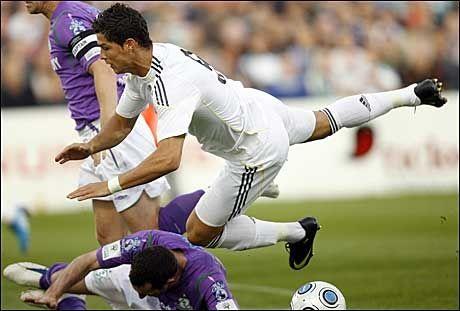 SLET: Cristiano Ronaldo og Real Madrid vant såvidt over lille Shamrock Rovers mandag kveld. Foto: AP