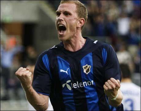 SCORET TO: Pontus Segerström scoret to kjappe mål i 1. omgang. Foto: Scanpix