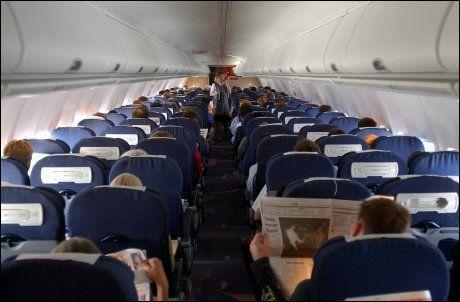 IKKE LUFTIG NOK: Mange misliker å fly fordi de frykter at luften i den trange flykabinen skal inneholdes smittestoffer. Men nå kommer et nytt luftrensesystem, utviklet for helseindustrien og utprøvd av fem europeiske flyselskaper det siste året. Foto: Espen Braata